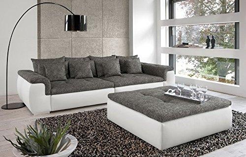 big sofa in wei grau mit steppungen 4 gro e r ckenkissen 4 mittlere und 4 kleine zierkissen. Black Bedroom Furniture Sets. Home Design Ideas
